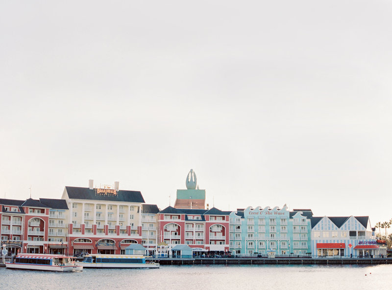 Ashleigh+Erik_DGM-DisneyBoardwalk-1000