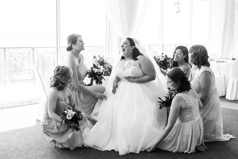 Tucson Skyline Country Club wedding getting ready photo of bride and bridesmaids by Tucson Wedding Photographer | West End Photography