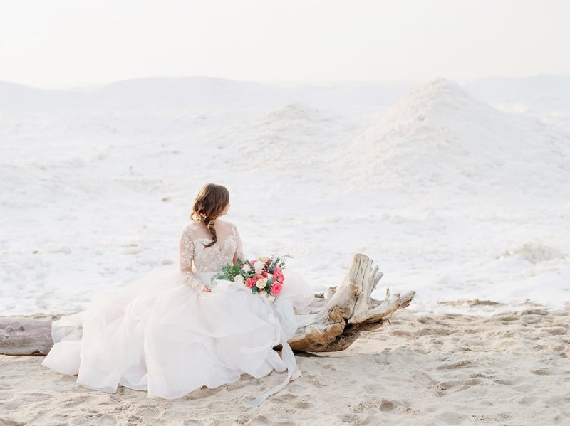 Frozen-Lake-Michigan-wedding-inspiration-Kelly-Sweet-20