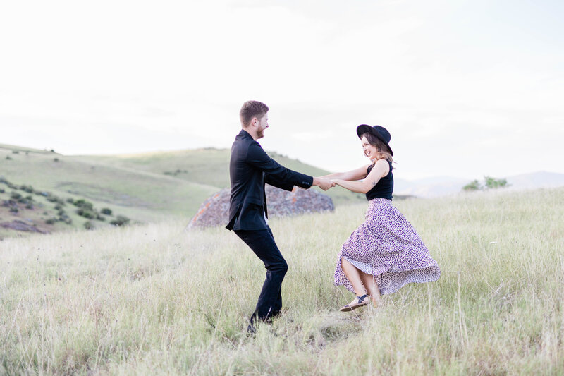 Blythely-Photographing-Bread-Rock-Classy-Boise-Engagement-87