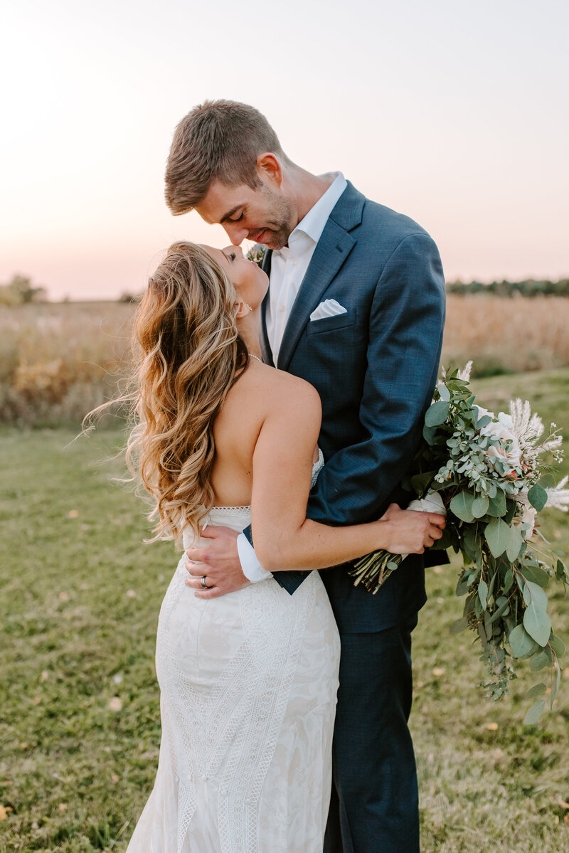 soulful-prairies-wedding-woodstock-illinois