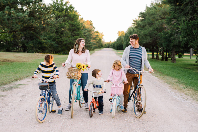 wichita-kansas-family-outdoor-portrait-session-16