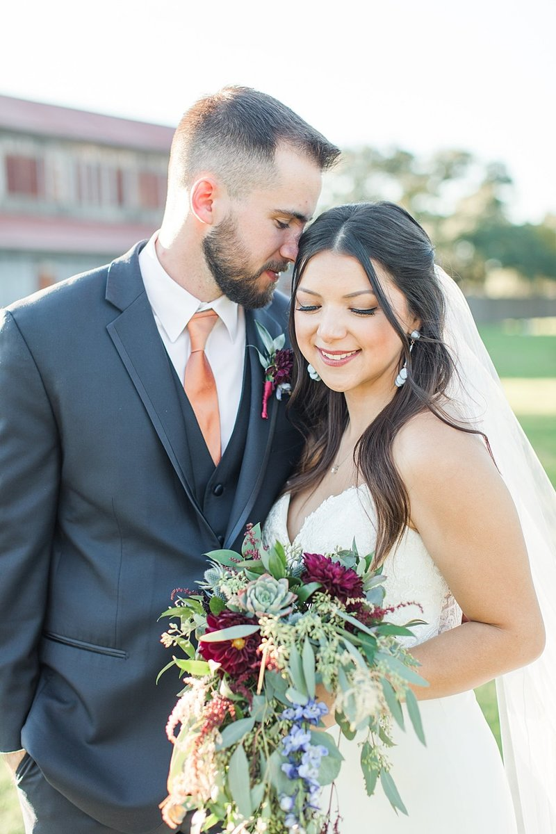 Eagle Dancer Ranch in Boerne Texas Wedding Venue photos by Allison Jeffers Photography_0064