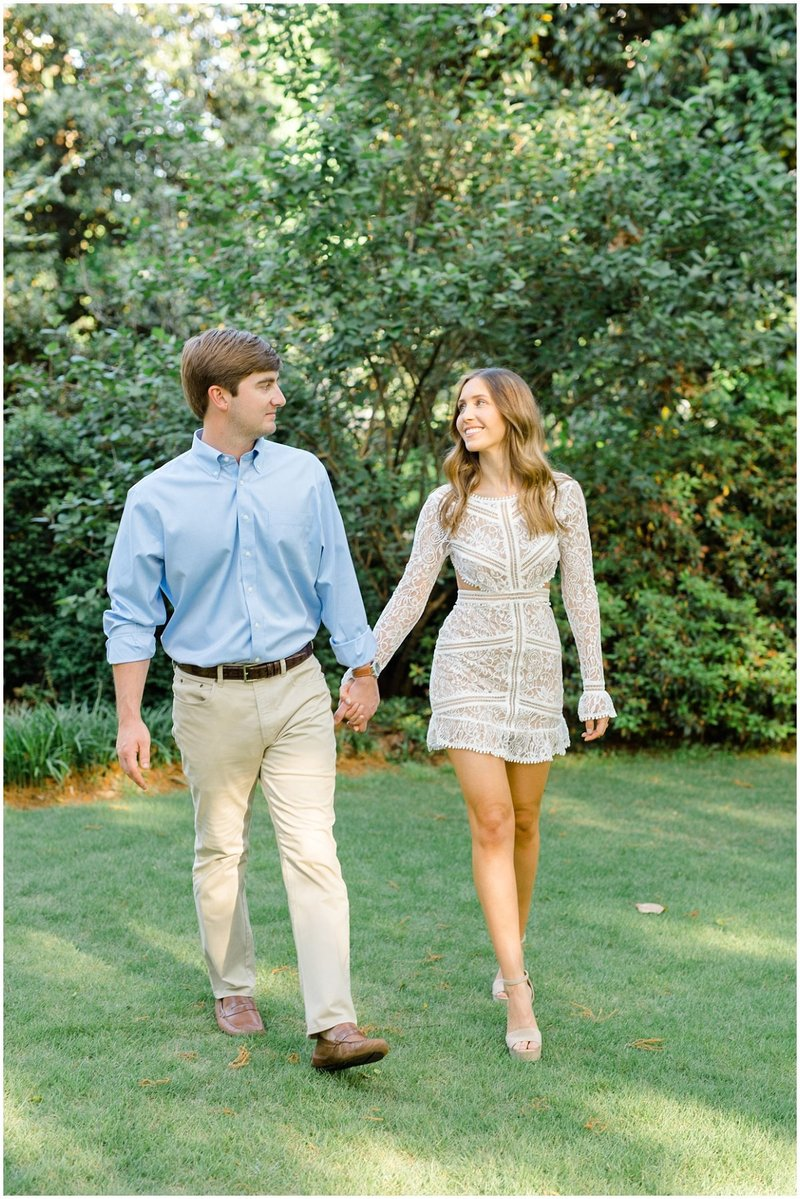 north-georgia-wedding-photographer-uga-founders-garden-engagement-athens-georgia-laura-barnes-photo-09