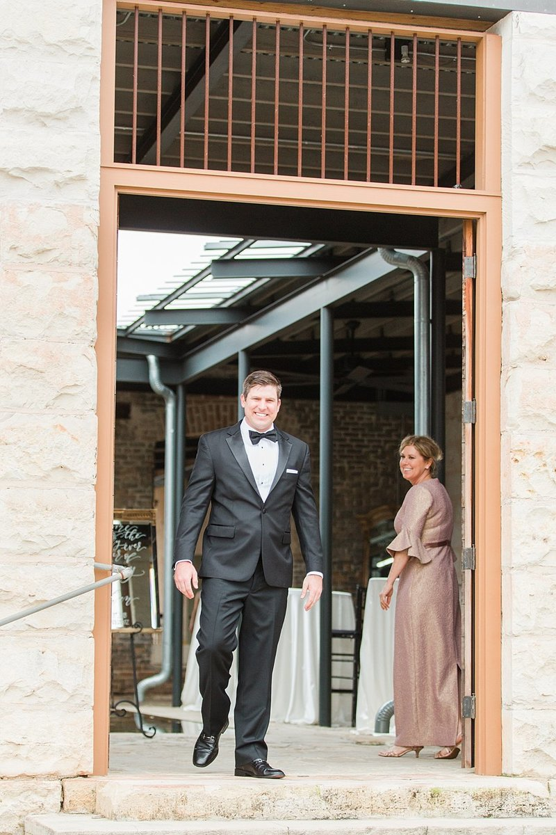 The Ingenhuette on High in Comfort Texas Wedding Venue photos by Allison Jeffers Photography_0006