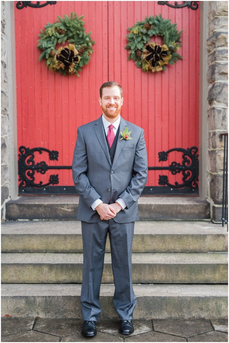 inman-park-methodist-church-upstairs-atlanta-wedding-photographer-christmas-wedding-laura-barnes-photo-025