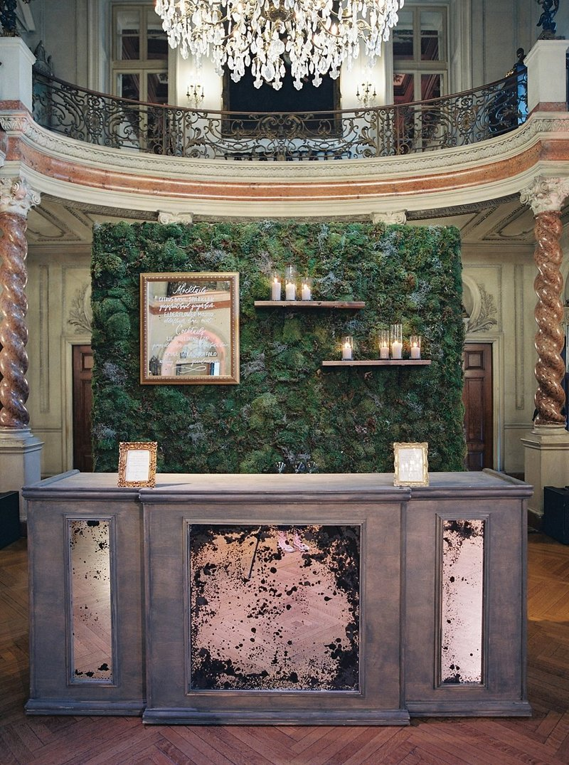20-moss-and-antique-mirror-bar