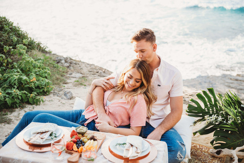Couple enjoys picnic