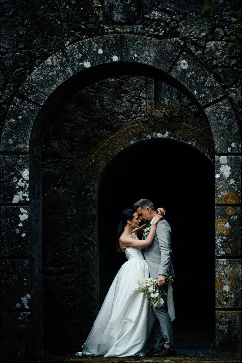 Bridal Couple at Castelo de Portulezo