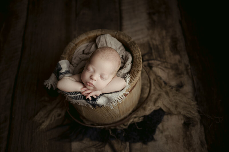 newborn baby photographer in austin