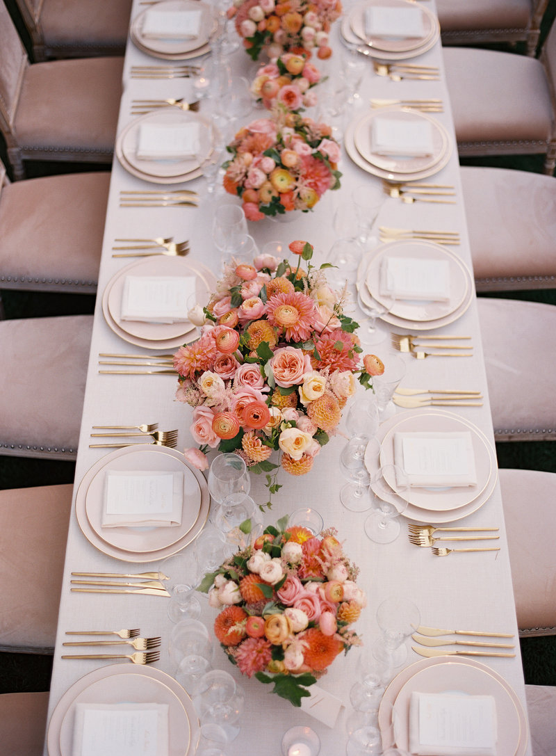 Tablescape for wedding by Jenny Schneider Events at Meadowood luxury resort in Saint Helena in Napa Valley, California. Photo by Eric Kelley Photography.