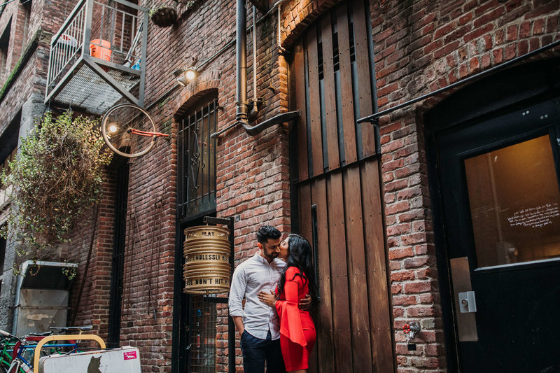 Ruby+Ash_Pioneer_Square_Engagement_Seattle_engagement_photographer_APW_33