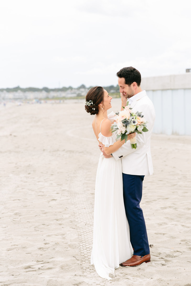 2019-aug23-dunes-club-newport-wedding-photography-rhodeisland-kimlynphotography0304