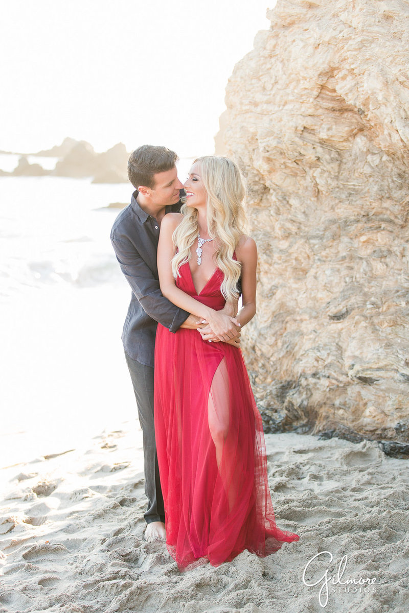 2-©GilmoreStudios_newport-beach-engagement-photography-CDM