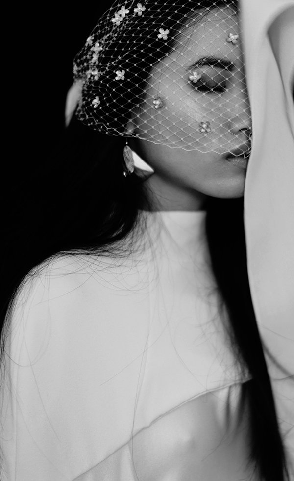 studded cage veil bw