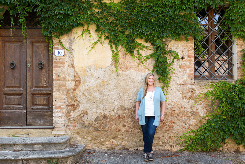 Carolyn Peeler Portrait in Tuscany Prone to Wander Retreats