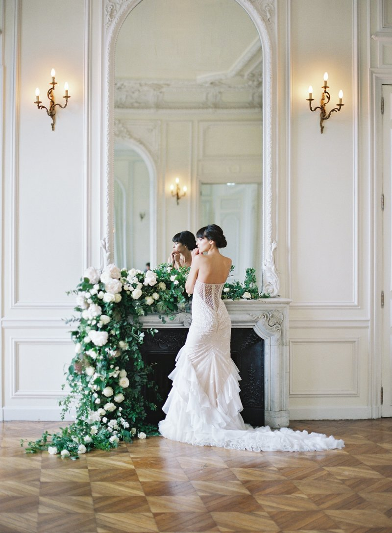 paris ceremony mantel
