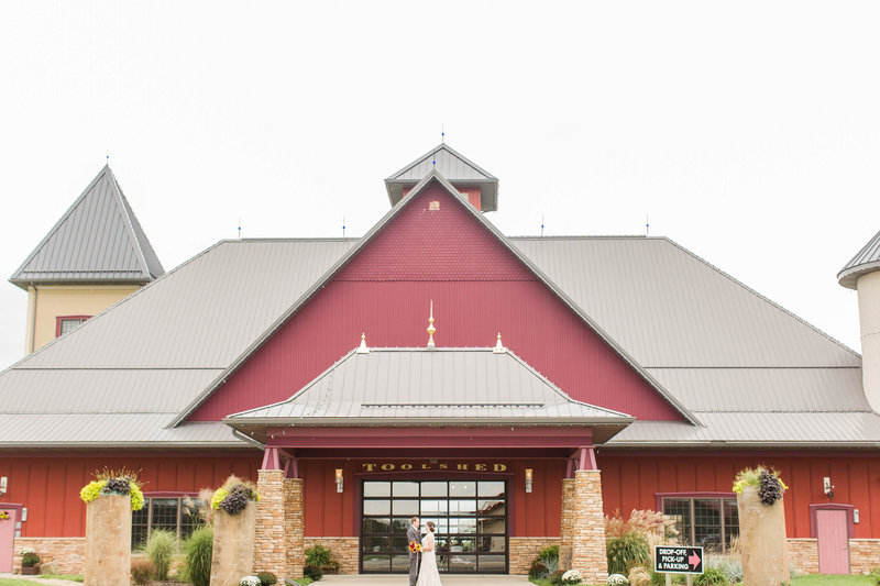 the-toolshed-breitenbach-winery-wedding-loren-jackson-photography-photographer-akron-ohio-61