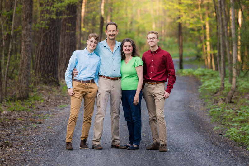 Family-Portrait-Dirt-Road-Iconic-Beautiful