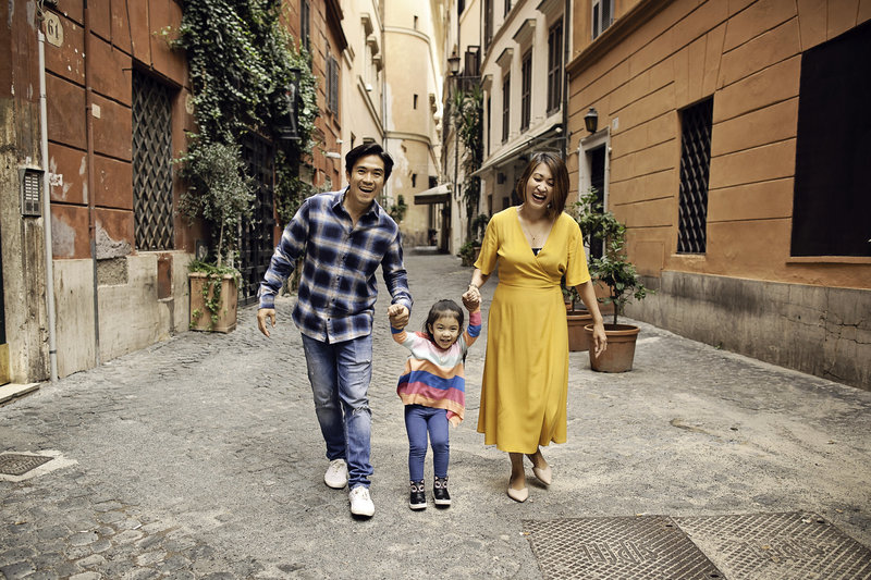 English speaking photographer in Rome specializing in Honeymoon, vacation, family, engagement, maternity, wedding, love story individual and solo photoshoots in Rome, Italy by photographer Tricia Anne Photography | Rome Photographer