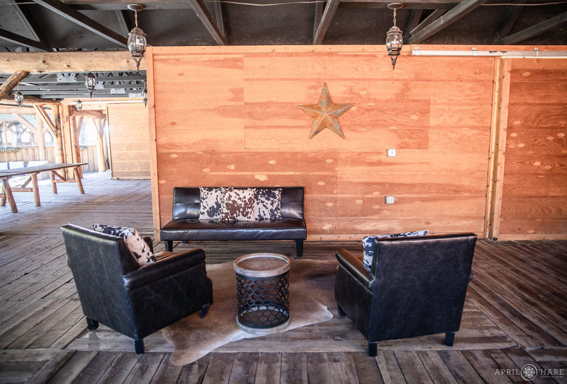 The outdoor covered patio at Piney River Ranch
