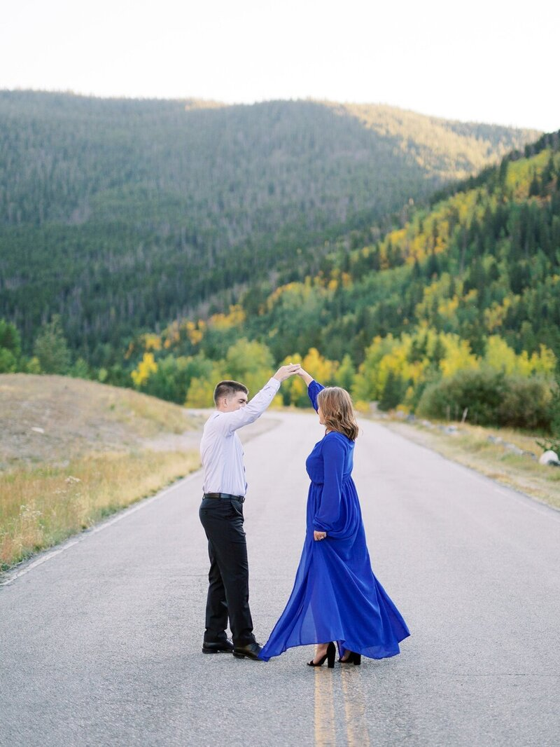 Fall Engagement in the Colorado Mountains_0013