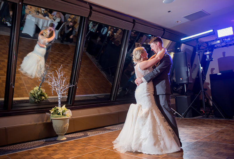 Radisson Wedding Venue Downtown Fargo Photographer Kris kandel (10)