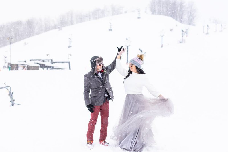 crystal-mountain-ski-resort-winter-wedding_0011