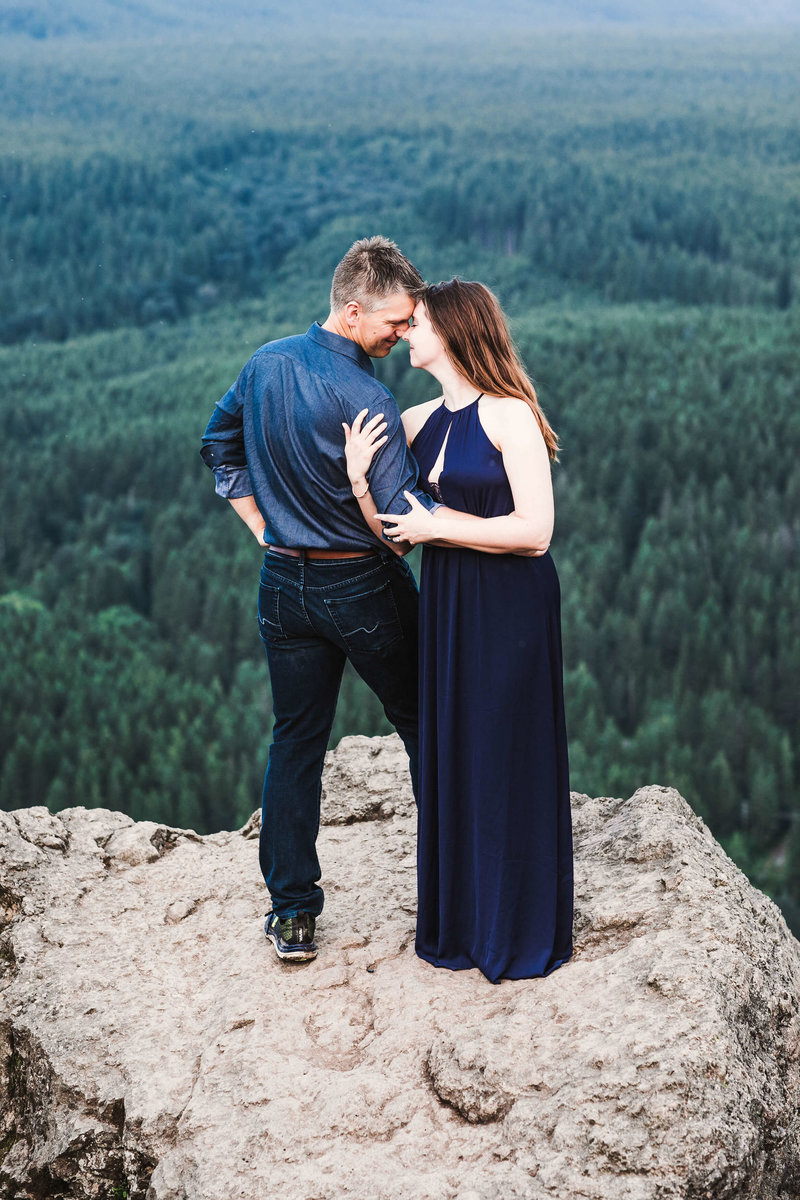 Eivind+Elyse_Engagement_Rattlesnake_lake_ridge_Seattle_Photographer_Adina_Preston_Weddings_194