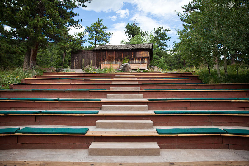 Wild-Basin-Lodge-Wedding-Venue-Ceremony-Site-in-Colorado-Mountains