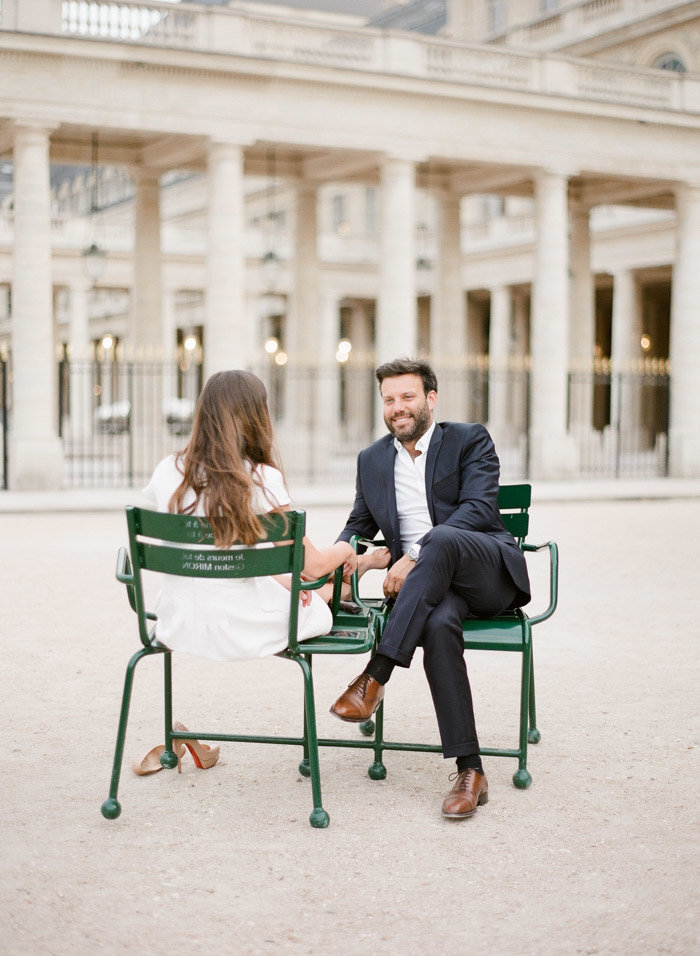 palais-royal-paris-engagement-photographer-jeanni-dunagan-24