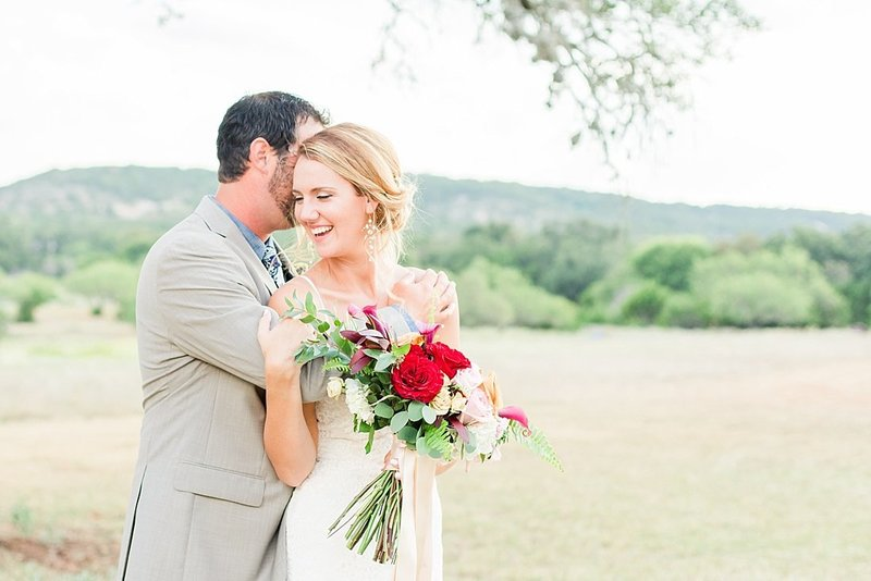 Navy and greenery botanical wedding at The Lodge at Country Inn _ Cottages Wedding Venue in Fredericksburg Texas_0104