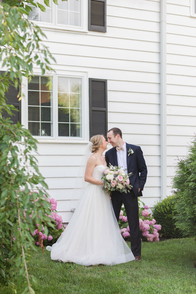 bride and groom kissing at eastern shore wedding at kirkland manor by costola photography