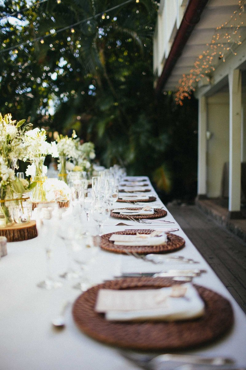 brown-rattan-charger-plate-hawaii-wedding-rentals