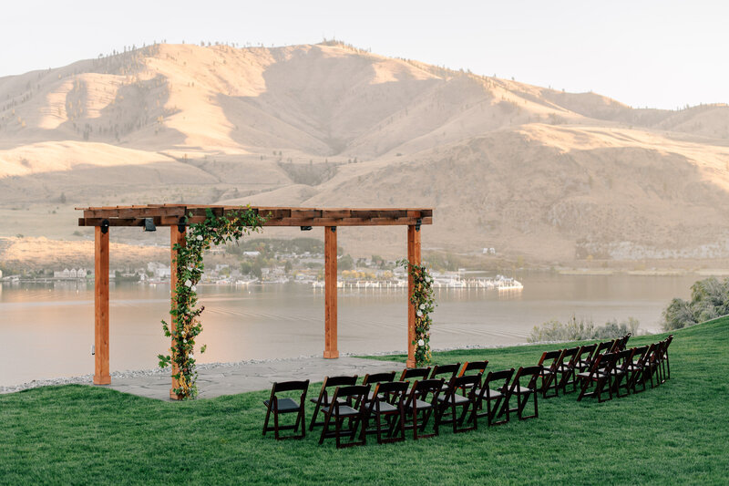 Lakeside ceremony site at The Lookout in Chelan, WA by Ellie Haisch Events