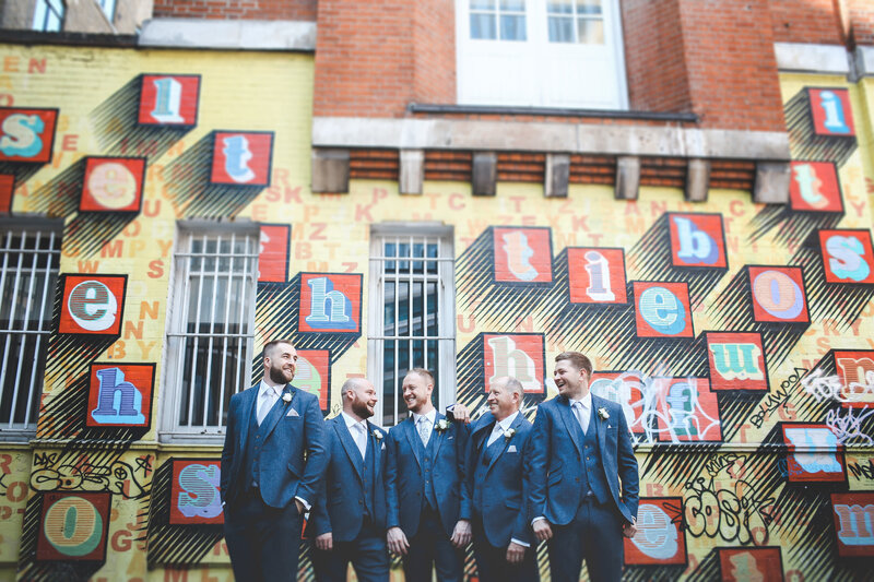 EW-GROOMSMEN-WEDDING-LONDON-GRAFFTI-WALL-0020