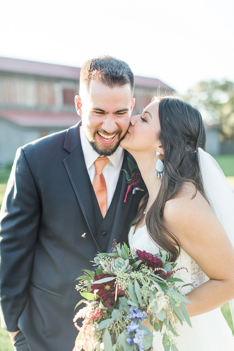 Eagle Dancer Ranch in Boerne Texas Wedding Venue photos by Allison Jeffers Photography_0066