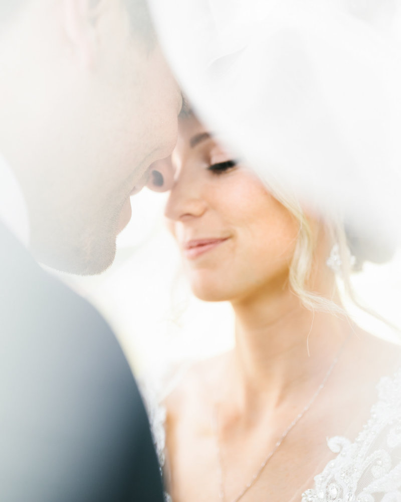 wedding-veil-summer-minnesota-bride-and-groom