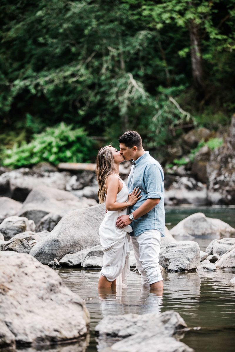 Snoqualmie_Falls_Engagement_Alexis+Chris_by_Adina_Preston_Weddings_130