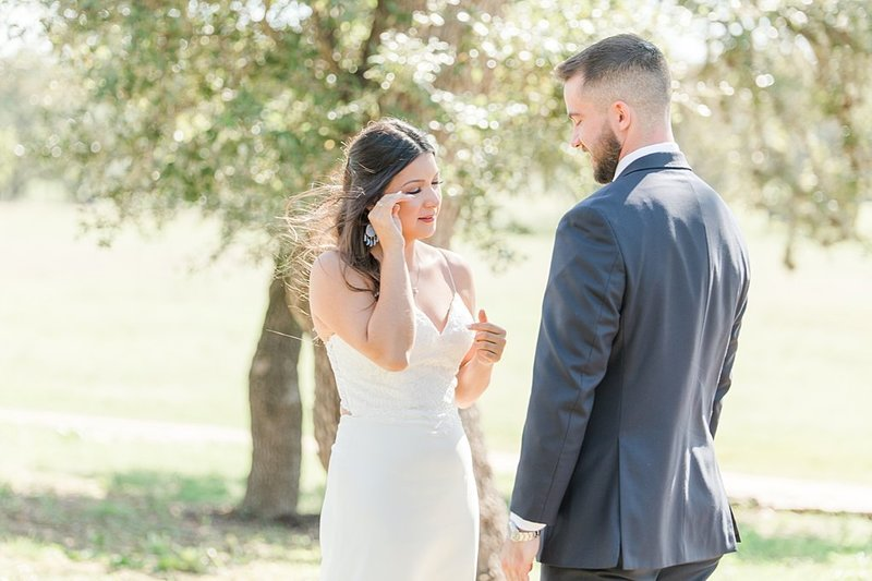Eagle Dancer Ranch in Boerne Texas Wedding Venue photos by Allison Jeffers Photography_0020