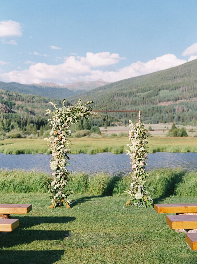 Refined and Organic Wedding in the Heart of Colorado_0026