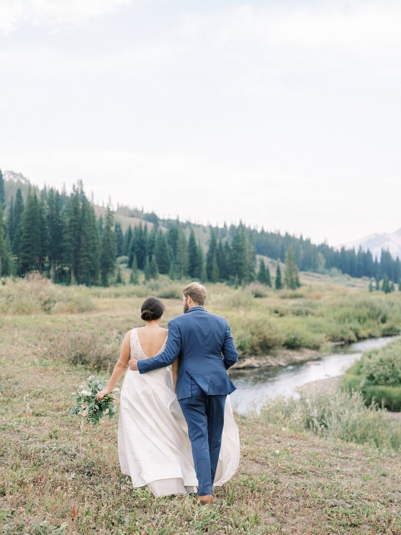 Joyful and Playful Wedding in Crested Butte_0034