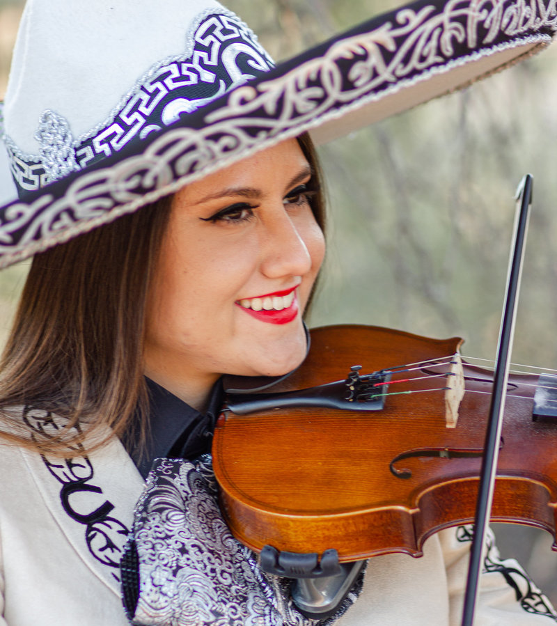 Senior-Graduation-Arizona-Pictures-Portraits-Mariachi-Virtuoso
