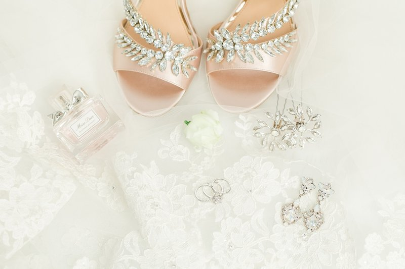 wedding-details-blush-jewels-miss-dior
