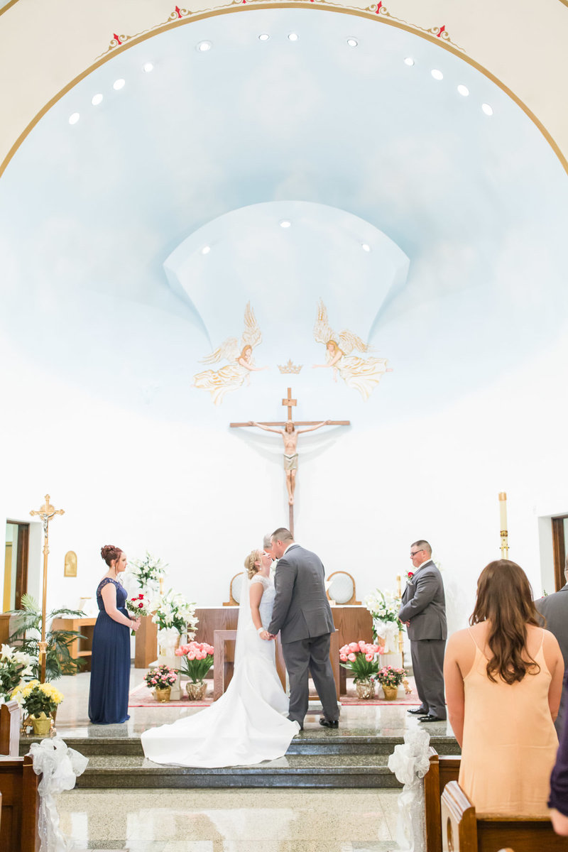 Classic-spring-St- Francis-church-tornto-ohio-wedding-14
