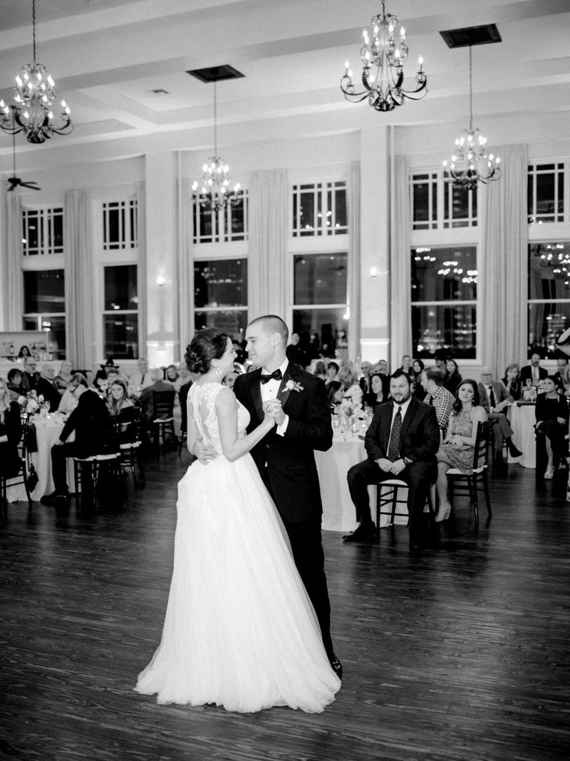 room_on_main_dallas_wedding_photographer_md-133