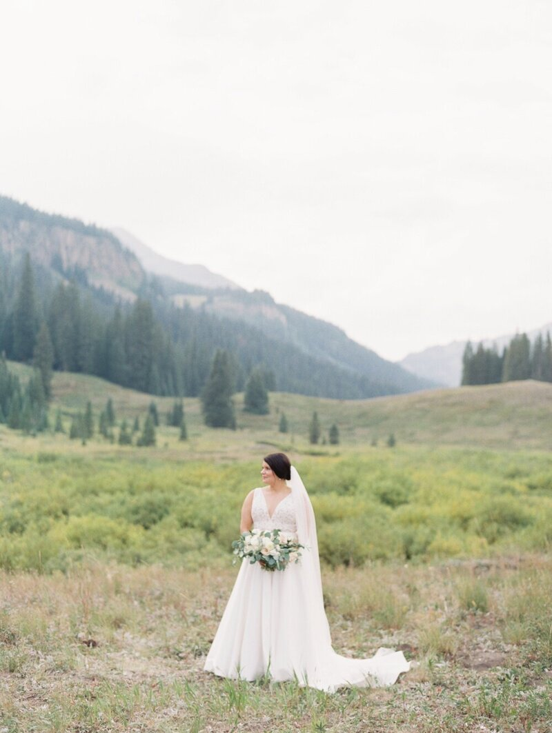 Joyful and Playful Wedding in Crested Butte_0025