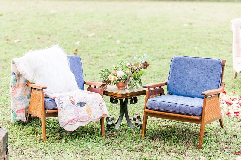 Intimate wedding in Utopia Texas Hill Country Wedding Venue photos by Allison Jeffers Photography_0021