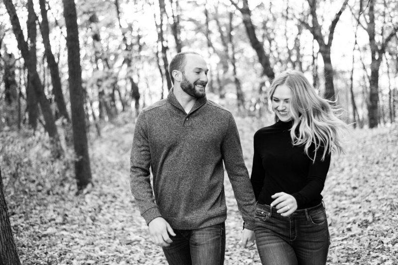 Minnesota-fall-puppy-engagement-photos-50