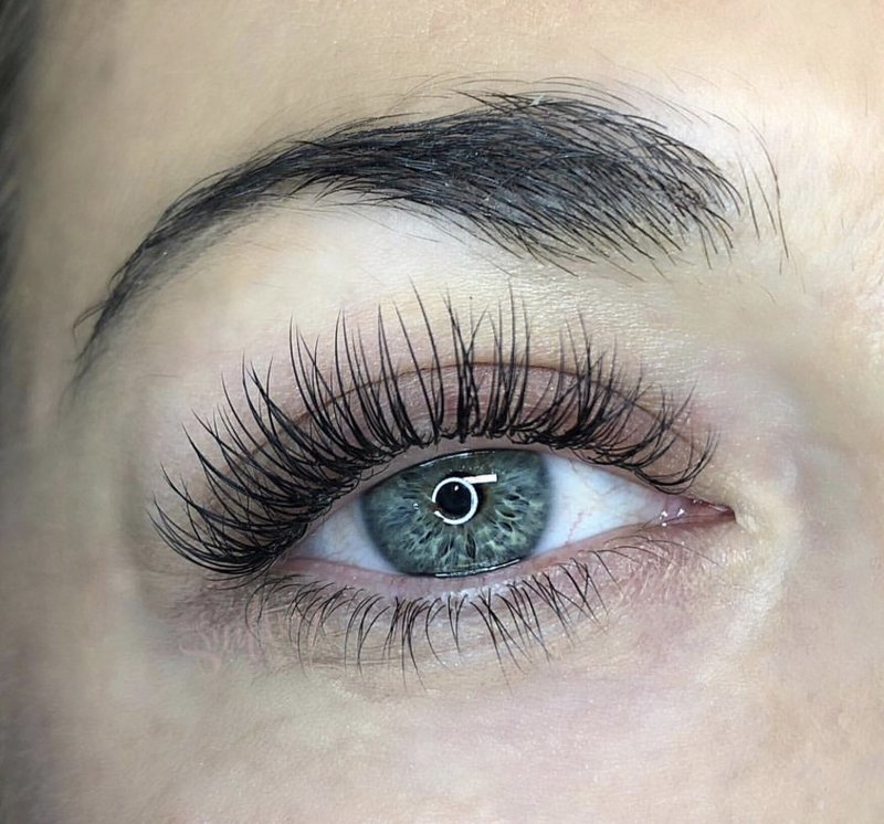 classic eyelash extensions in Charleston, SC